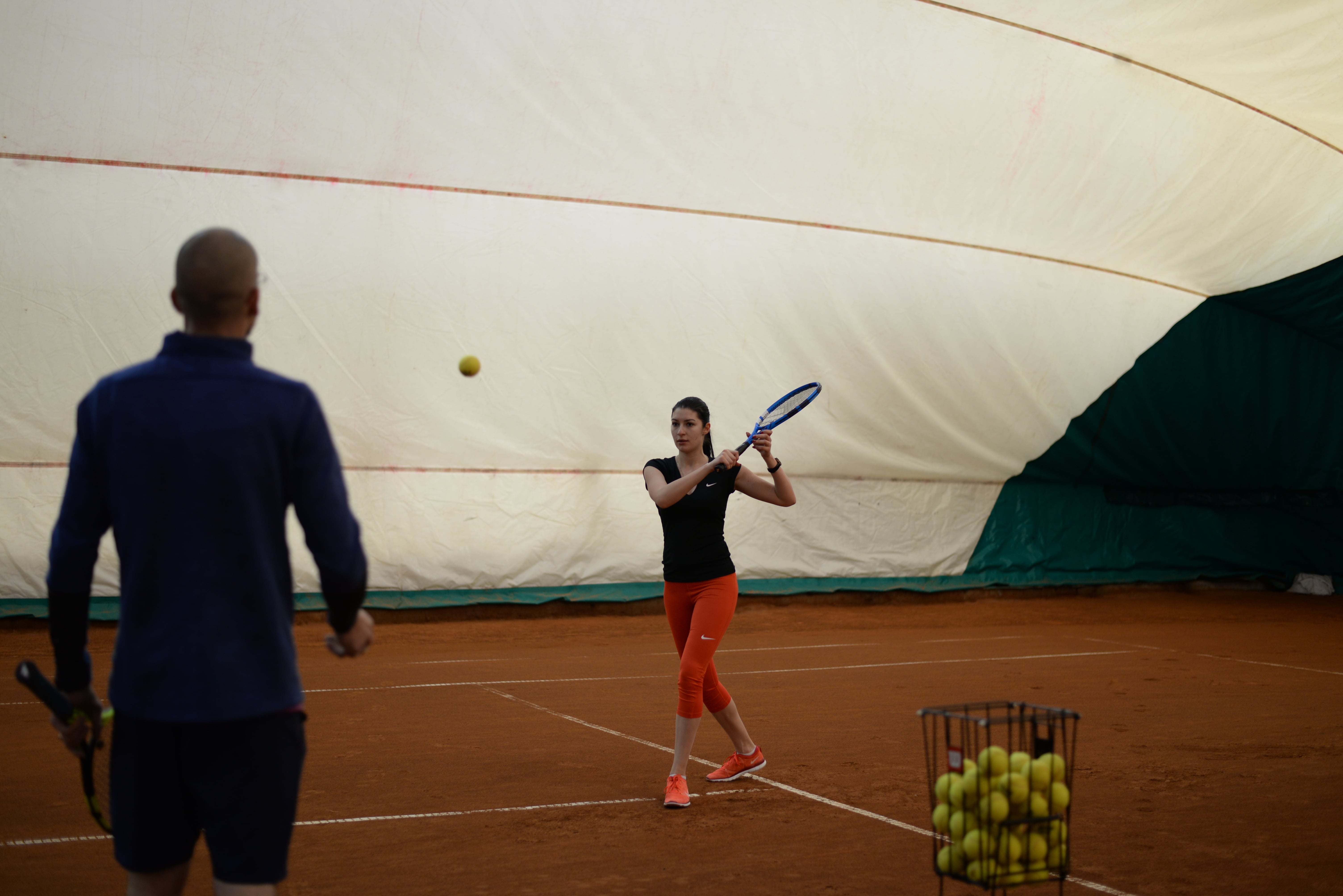 уроки тенниса для начинающих